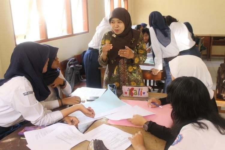 pendidikan berprestasi guru