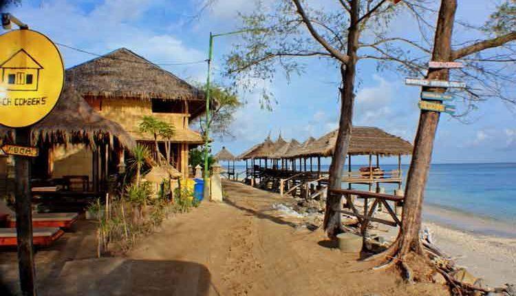 bongkar bangunan pantai Gili Trawangan