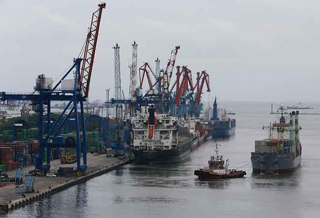 Arus Keluar Barang Impor pelabuhan