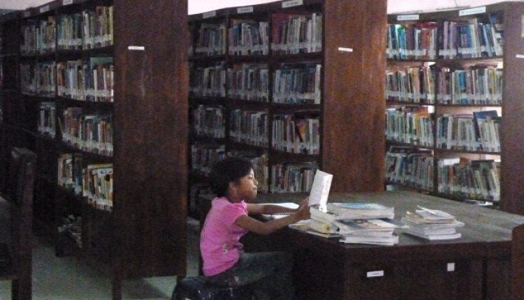 mendongkrak minat baca serang